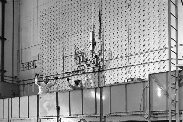 7576-1         file #65. Graphite Reactor.Reactor East Loading Face 1-2-1952  ORNL